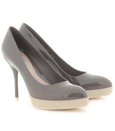 TWO-TONE PATENT PLATFORM PUMPS